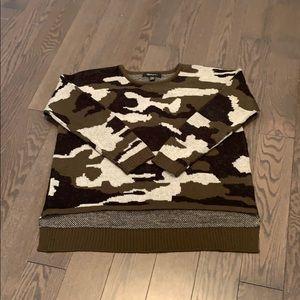Sweaters - Camo cozy sweater
